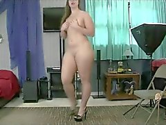 pawg shaking ass powerful beat