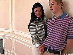 Stepmom Indiens Sommaren het FFM 3some könsbestämmer