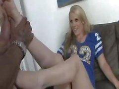 Unartig schwangere Blondine Heidi May bläst und fickt seinen großen schwarzen Schwanz
