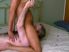 Herrliche Oma mit schönen großen Titten