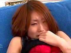 Ragazza giapponese di Yayoi gioca Orikami hairy pussy