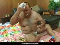 La Serventi - Fat guy con piccoli cagne scopare enormi e mangiare cibo il 13