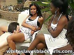 Уайт рабам лизать черную киски