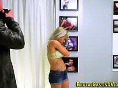 adolescente del bdsm Mostre lingerie
