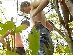 Ranzige Boys Dusan En Jozef Outdoor Wanking en zuigen