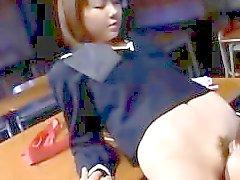 Asiatico penetrare nella classe scuola