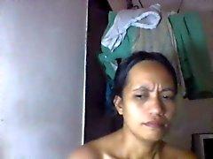 philippinische mom shanell danatil 27 zeigen ihre dicke Titten