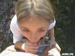 della scolara polacco Traduttore dà pompino outdoor