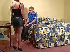 Epouse fachee kurinalaisuudesta Domestique ( 20 )