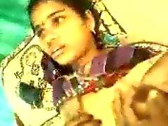 Marwadi Hakim com a menina