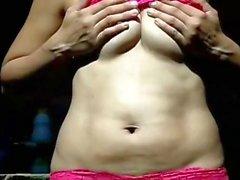 Colega trabalho marido exibe para ele lingerie renda rosa 5