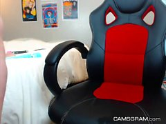 Perfect Tattooed Camgirl Squirts On Cam