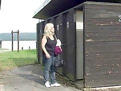 Gallo Blonde granny viaggio di forestiero il pubblici