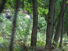Adolescentes mijar em The Forest