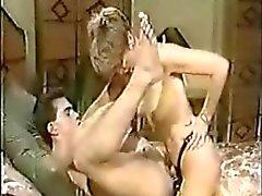Sharon Kane Fucks Rod Garetto med en strapon