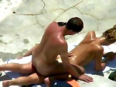 triple beachfuck and suck under the hot sun