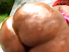 Huge Booty BBW Mz. Booty