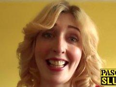 Hiusten väri Blondi Silmien Jessica Jensen ei alamainen huora joka rakastaa isot kalut
