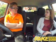 Fake Driving School Il nuovo appassionato di cornea sexy ha una sorpresa segreta