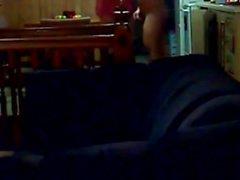 brunette Curvy baisée dans la maison vidéo