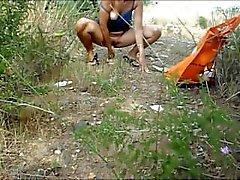 Montsita tarafından sahilde mastürbasyon yapmak ve fışkırtmak