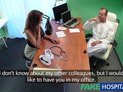 FakeHospital Doktor iş görüşmesinde minx sikikleri