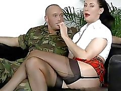 Ältere Baby Gagged And Fucked