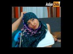 Muslimgirll twerkata ja tease ( oma videoitasi arabianchicks )