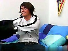 Nackt Menschen Reizvolles britischen emo boy Cody Blakes ist angekommen um zu zeigen