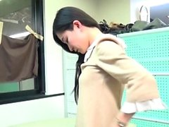 Asian teen pulisce figa