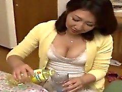 Japanische Mama Ryoko genießt Sohns Freund 1 (MrBonham)
