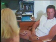 Jill Kelly und Rebecca Wild Philmore Butts Hawaiian Beach Party