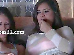 två ultra varma brunette girl2girl