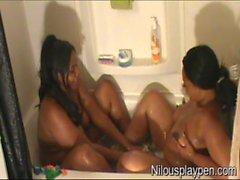 Wet Lesbian Balloon Popping #01 : Nilou Achtland & Eve