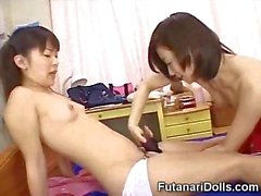 Смазливая Futanari Няни !