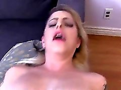 Blonde plantureuse Tattooed Extreme dick énorme hot Point de vue