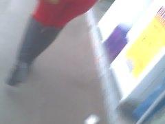 mulata gostosa rebolando jeans red rua