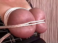Plump slut with big juggs finds her tits covered with clothes pegs