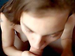 Venäjän tyttö nielee uudestaan ja uudestaan ) ) täysversio .