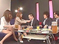 Juni Kusanagi und die Yuuno Hoshi stehen zwei eigentlich freche