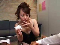 Stacked Japanese masseuse milks a stiff cock with her lusci