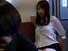 Yui Nakazato pelosa giapponese Cooch teen riempito con sperma