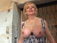 Britannico MILF Caught In The Lift