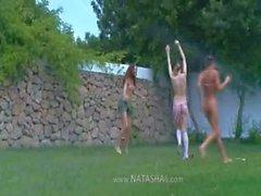 Русский студенточки водные виды спорта в саду