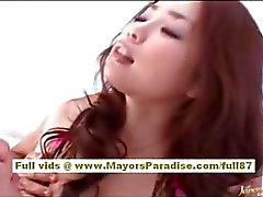 Rio della ragazza asiatica ottiene la sua figa hairy leccata