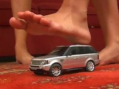 2 tytöille murskauksen hopea- leluauto avojaloin
