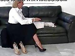 Naked poz matür femdom brit bir ayakkabı