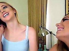 Chloe och Trisha 2 tonåringar lina bunden