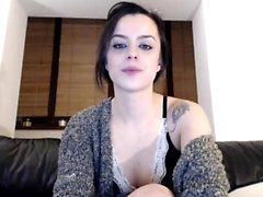 Brunette babe masturbate pussy in whtie