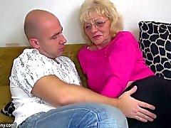OldNanny Eski Büyükannen çok çok horny olduğu